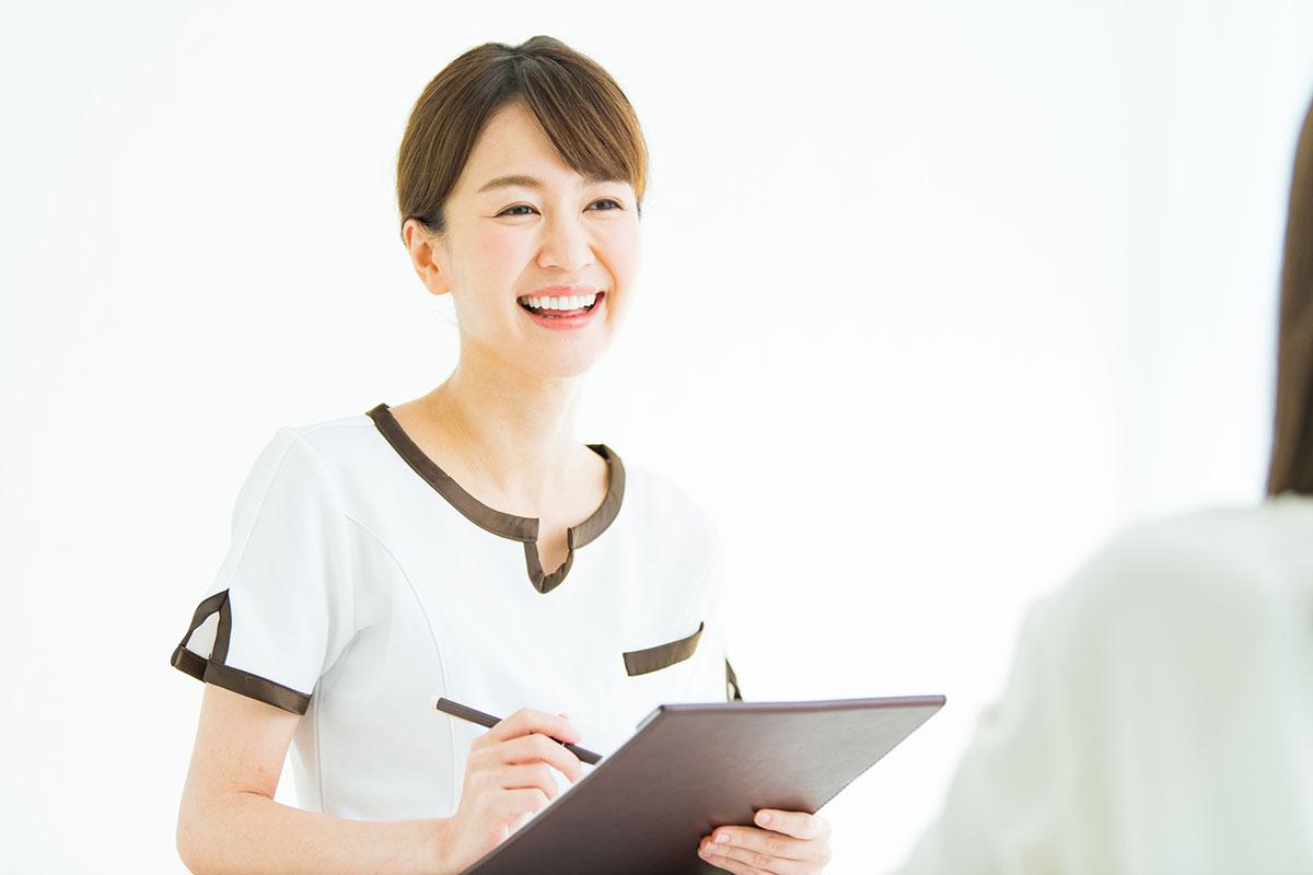 エステティシャンになるための資格と取得方法は?仕事内容から学び方まで解説